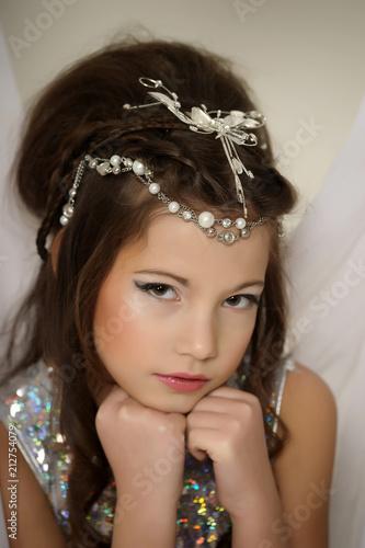 srebrna dziewczyna