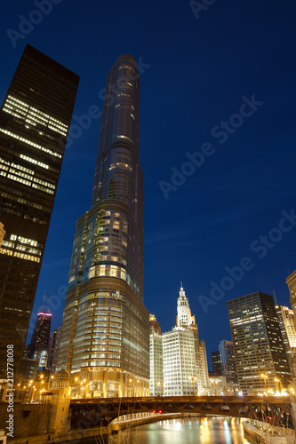 Fotobehang Chicago Chicago, Illinois, United States - Downtown city skyline at night.