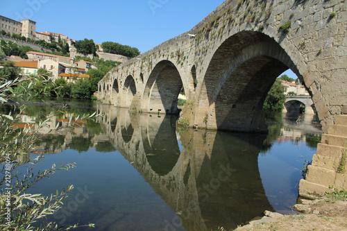 pont vieux sur l'orb à béziers en france - 212788094