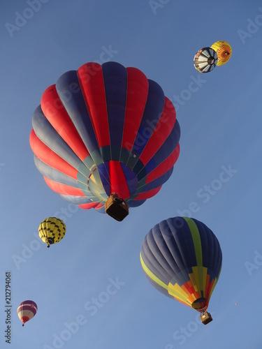 montgolfière couleur - 212794061