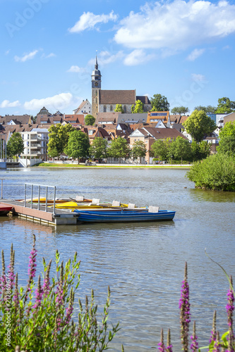 boeblingen lake with view to the church - 212869676