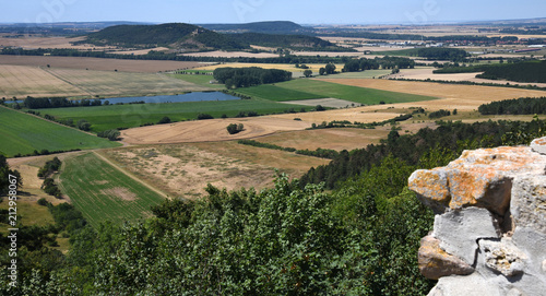 Wall mural Ausblick von der Veste Wachsenburg über die Felder und Hügel des Thüringer Landes