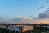 Berlin City Skyline mit Pfingskirche abends