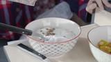 Puring muesli on yoghurt in Slowmo - 212991854