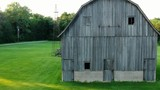 Barn out in the country - 212998622
