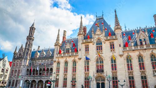 Foto Spatwand Brugge Beautiful Market Square (Markt) in Bruges, Belgium.