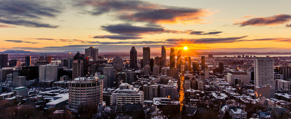 Sun is peaking out over Montreal © Dominik