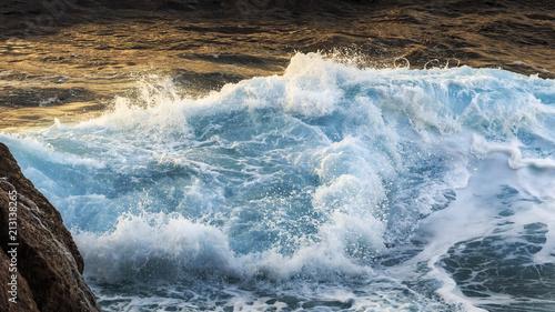 romantische Küste von Sizilien bei Sonnenuntergang - 213138265