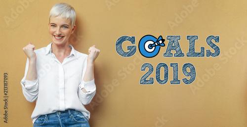 Frau an der Wand / Goals 2019