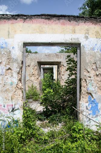 Abandoned Hacienda in Yucatan, Old buildings