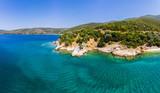 Strand von Kufala, Trikeri-Milina, Region Volos, Meerenge von Trikiri, Halbinsel Pilion, Pagaitischer Golf, Griechenland - 213264496
