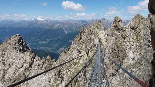 Fotobehang Donkergrijs Sentiero dei fiori tonale Dolomites Italy