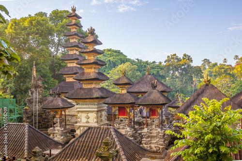 Fotobehang Bali Hindu stone temples in the jungle