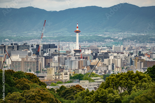 Fotobehang Kyoto Kyoto city with tower and mountain range