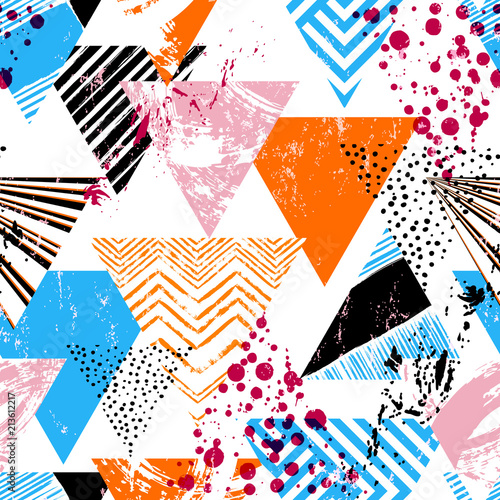 Fotobehang Abstract met Penseelstreken seamless abstract geometric background pattern, with triangles, paint strokes and splashes,