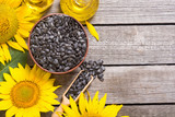 Ingredient  oil , seeds and sunflower - 213653828