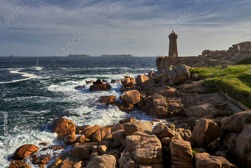 Canvas Vuurtoren Lighthouse among the red rocks of Perros-Guirec, France