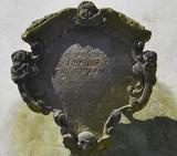 Detail eines Grabmals im ehemaligen Johanniskirchhof - 213838273