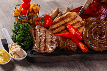 Grilled meat mix plate