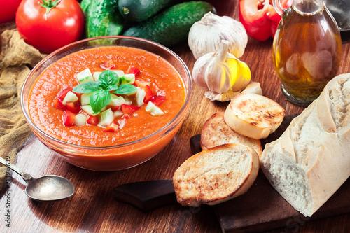 Foto Murales Spicy homemade gazpacho soup