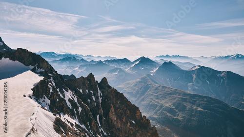 Ząb Punta Helbronner gigantycznego Monte Bianco