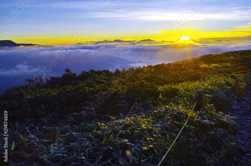 Plexiglas Zonsopgang 八方尾根から見た日の出と雲海