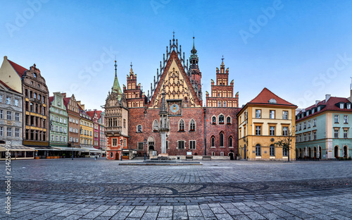 obraz PCV Gothic facade with astrinomical clock of old Town Hall in Wroclaw, Poland