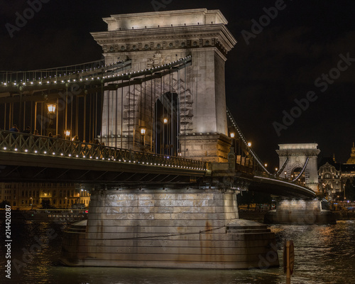In de dag Boedapest bridge