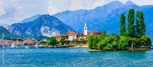 Fotobehang Freesurf Beautiful romanic lake Lago Maggiore -