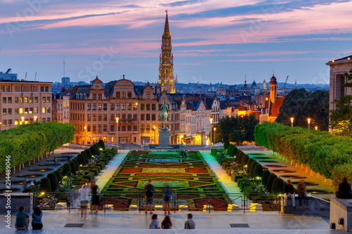 Foto Spatwand Brussel Brussels. Mountain of Arts at sunset.