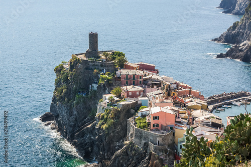 Fotobehang Liguria View of Vernazza, Italy. Cinque terre. View from above