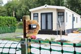 Wohnen auf dem Campingplatz in einem Chalet - 214520623