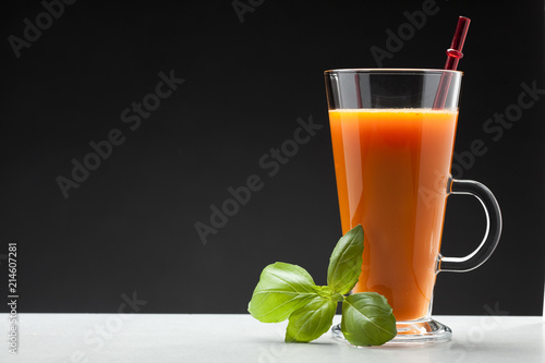 Canvas Sap carrot or orange juice in glass