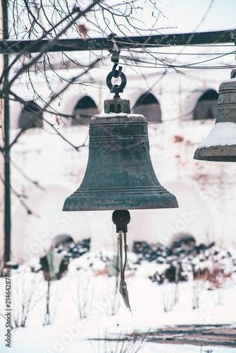 In de dag Schip bells in the Iosifo-Volsky monastery