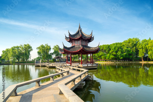 Foto Spatwand Shanghai Chinese style nine curved bridge