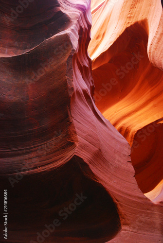 Canvas Rood paars Bright colored eroded sandstone canyon