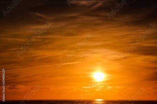 Piękny kolorowy zachód słońca