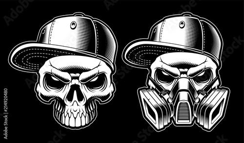 Black and white graffiti skulls