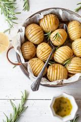 Lemony rosemary potatoes © Kati Finell