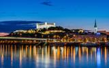 Bratislava zur Blauen Stunde