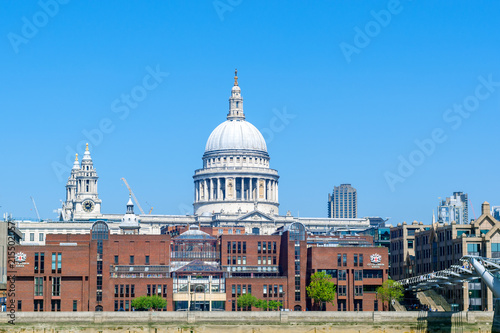 Foto Spatwand London St. Paul's cathedral (view from the riverside)