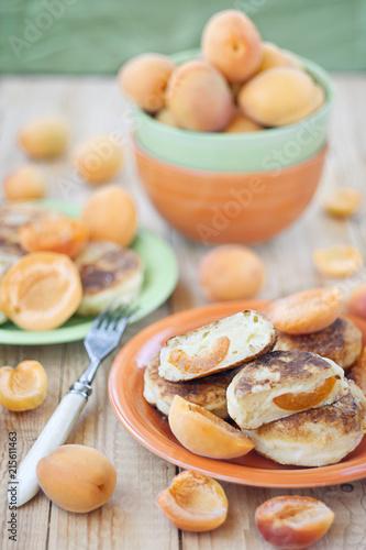 Foto Murales Quark pancakes with apricots
