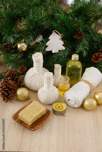 Plexiglas Spa Christmas spa with Composition of treatment and wooden background