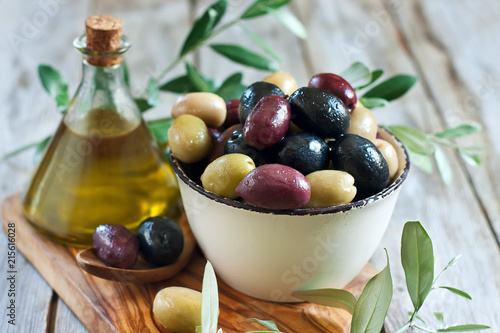 Leinwanddruck Bild Mixed olives