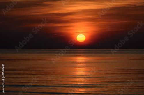Foto Spatwand Chocoladebruin Beatiful sunset in the baltic sea