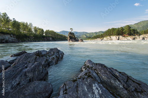 Foto Spatwand Bergrivier Fast mountain river Katun in Altay, Siberia, Russia. A popular tourist place called the Dragon's Teeth
