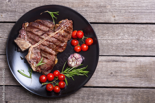 Leinwandbild Motiv Grilled porterhouse beef steak