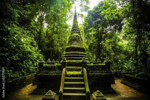 Foto Spatwand Thailand Old pagoda and moss at Phlio waterfall national park,Chanthaburi at Thailand.