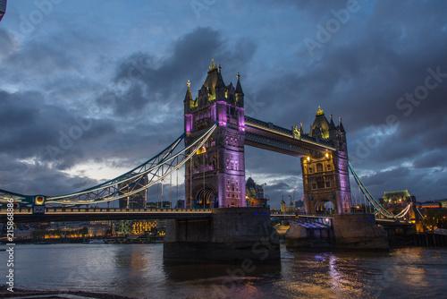 Obraz na płótnie Tower Bridge w nocy