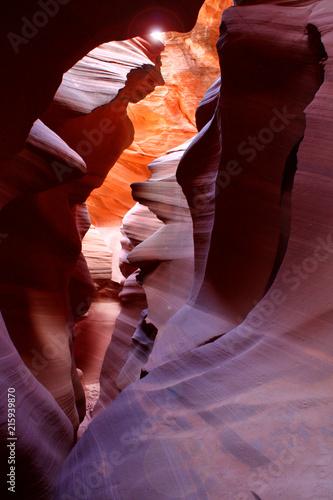 Foto Spatwand Arizona Bizarre Steinformation in leuchtenden Farben